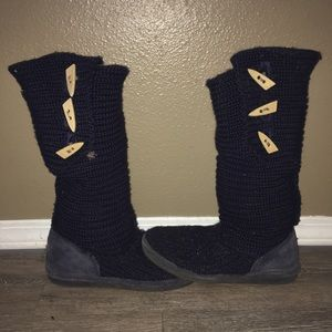 Knitted Navy blue bear paw boots